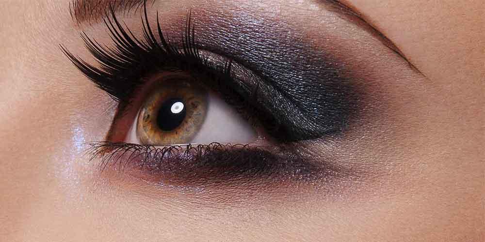 سایه چشم دخترانه اسموکی مناسب چشم بادامی