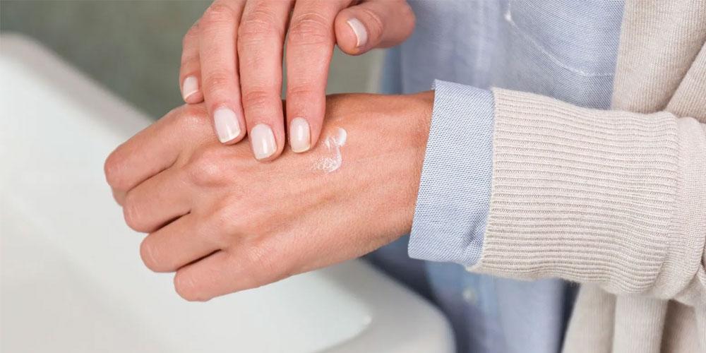 جلوگیری از خشکی پوست باعث میشود سرعت رشد ناخن نیز افزایش یابد