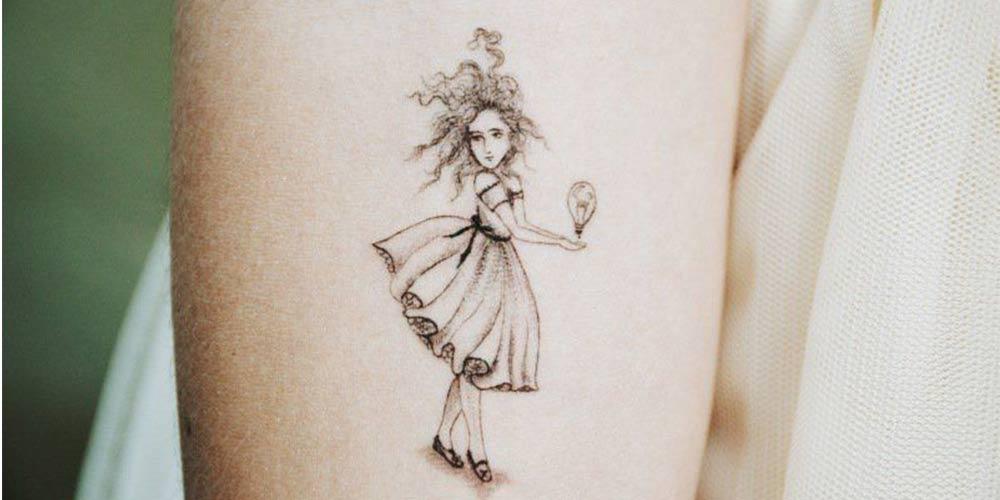 طرح خالکوبی دخترانه روی بازو
