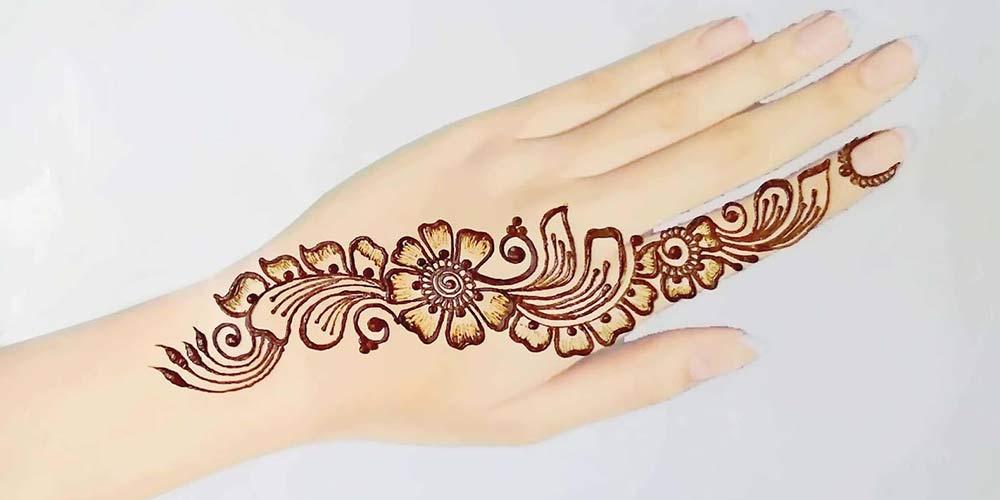 طراحی حنا روی دست عروس