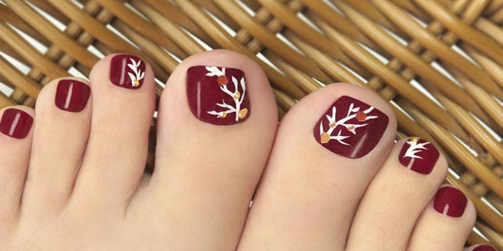 طراحی ناخن پا طرح پاییزی