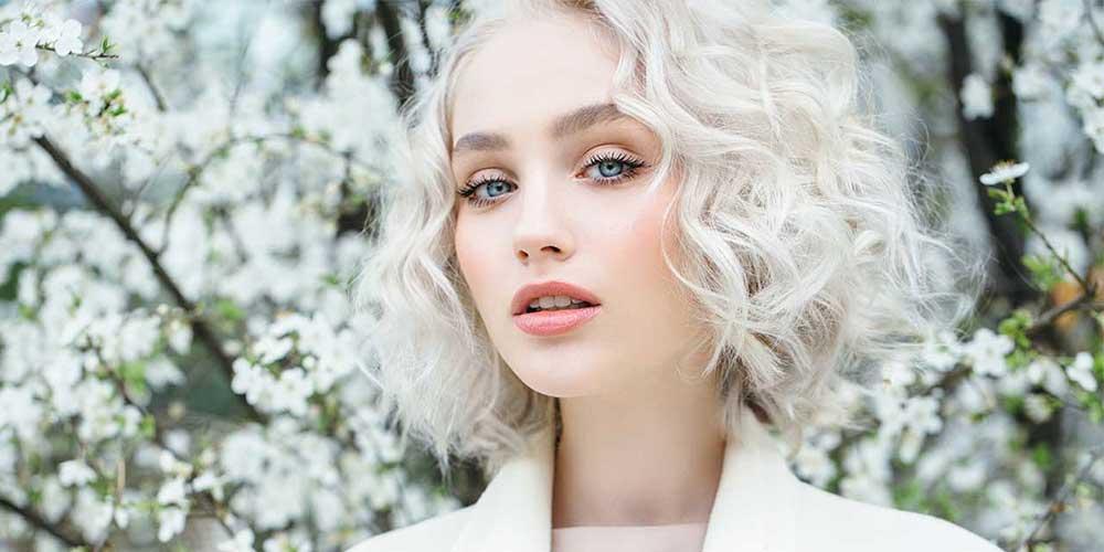 دلایل سفید شدن مو در جوانی
