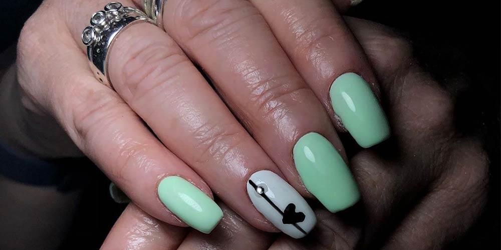 طرح ناخن پاستیلی سبز