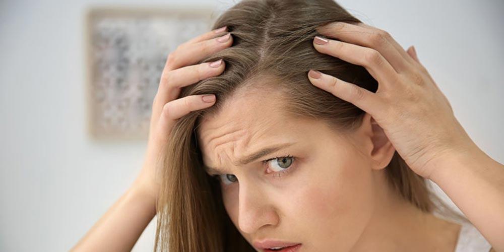 دلایل سفید شدن موها در جوانی