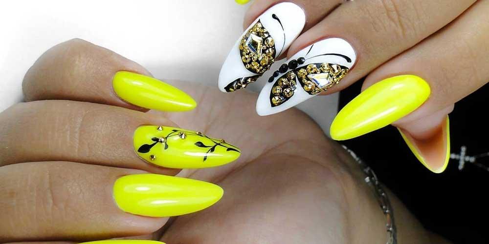 مدل ناخن با رنگ نئونی و طرح پروانه