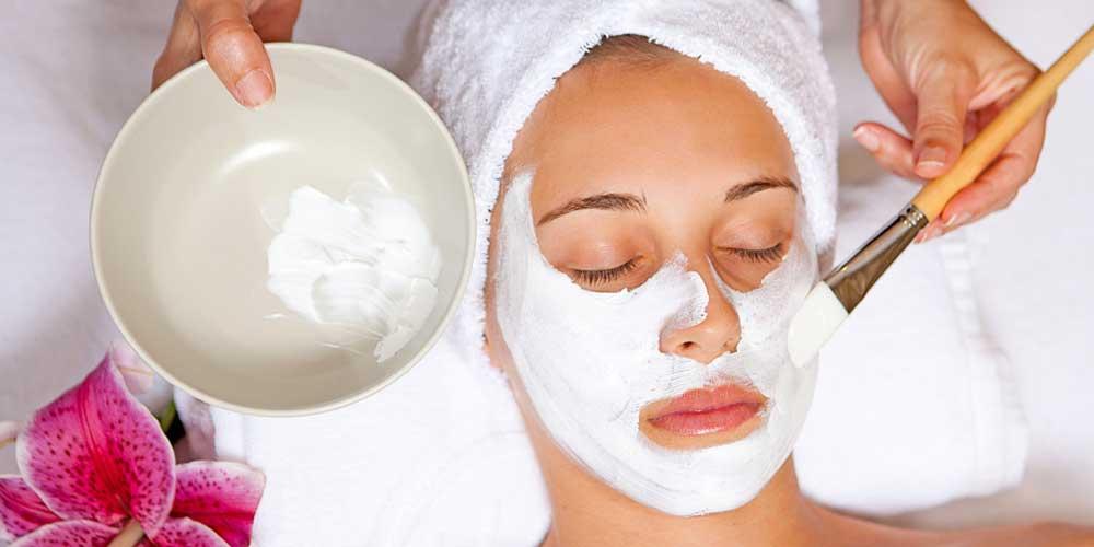 پاکسازی پوست در آرایشگاه