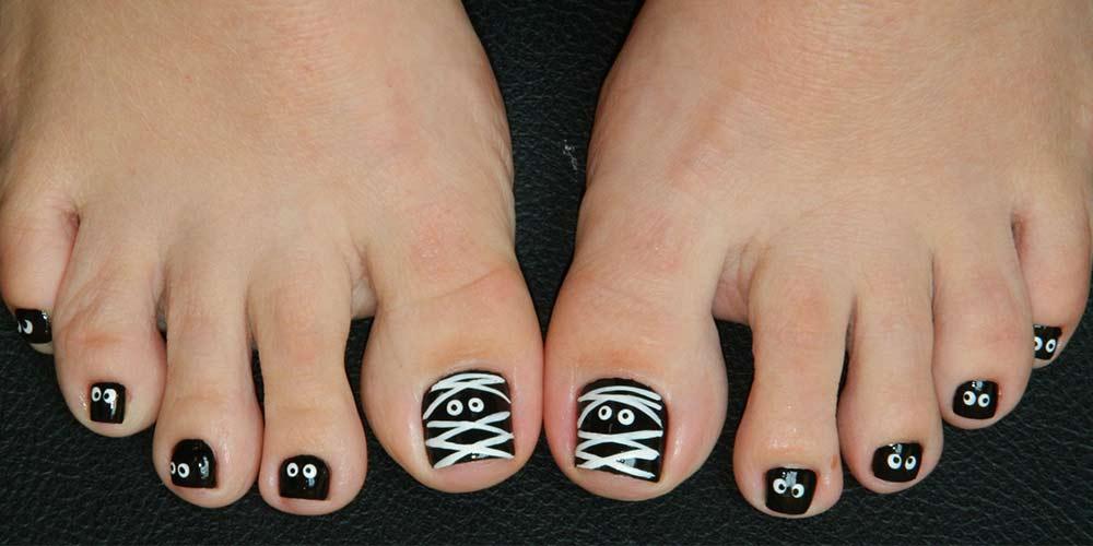 طراحی ناخن پا با لاک سفید