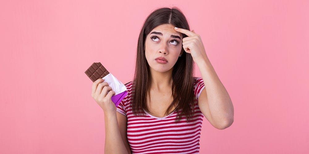 آیا شکلات باعث جوش میشود