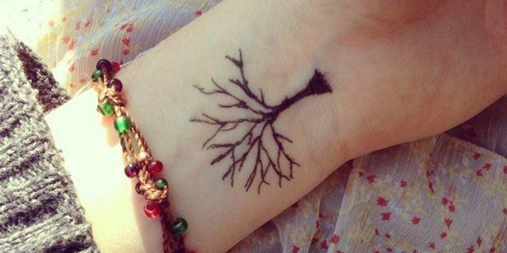طرح حنا درخت روی مچ دست