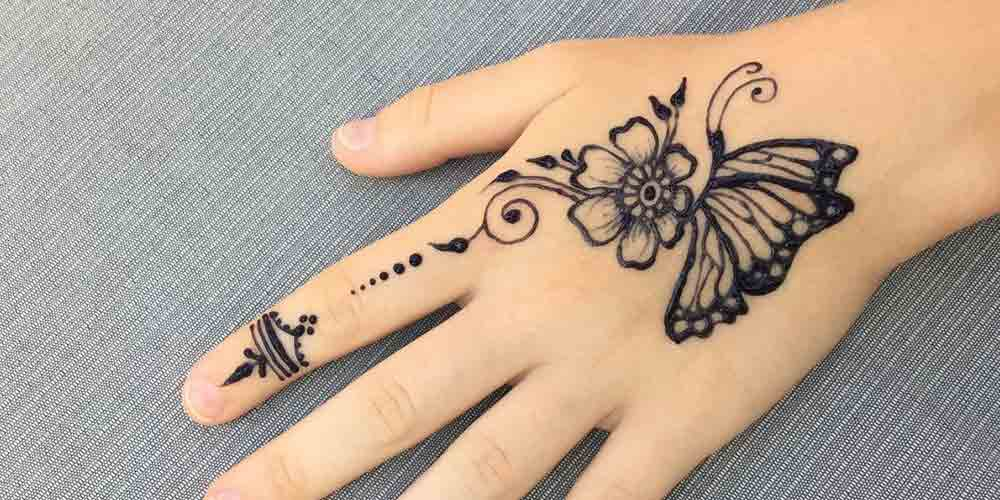طرح پروانه و گل با حنا