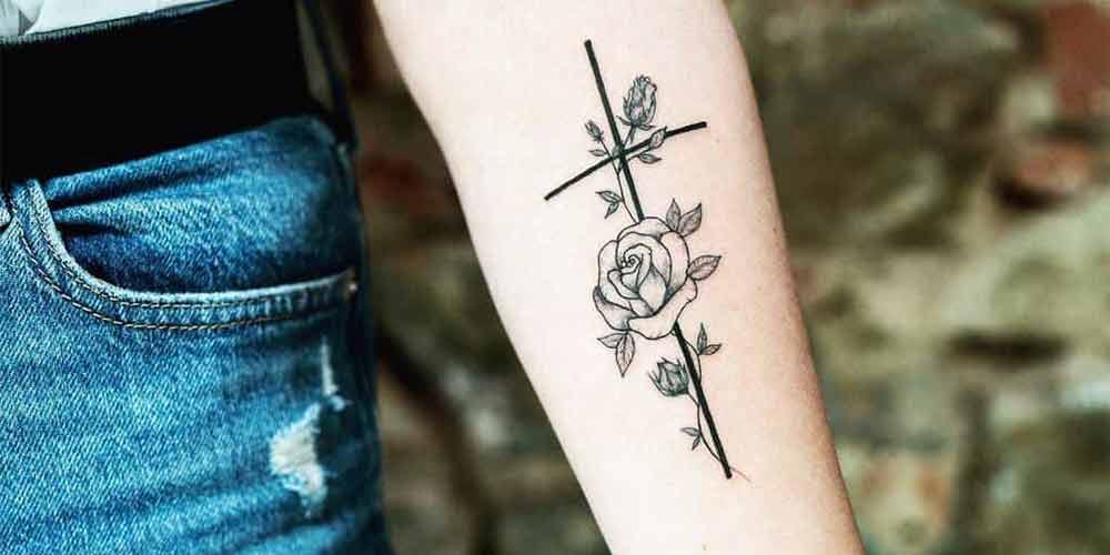 طرح تاتو صلیب دخترانه