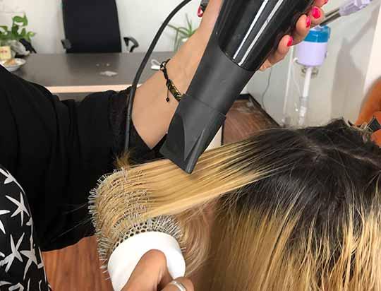 نحوه صحیح براشینگ کردن مو