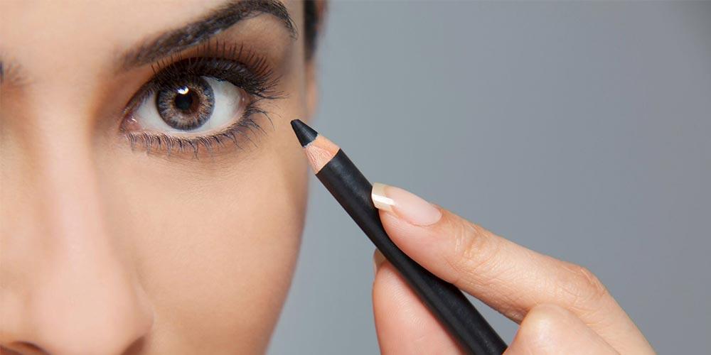 آموزش آرایش با مداد چشم
