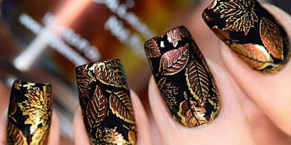 مدل ناخن پاییزی مشکی طلایی